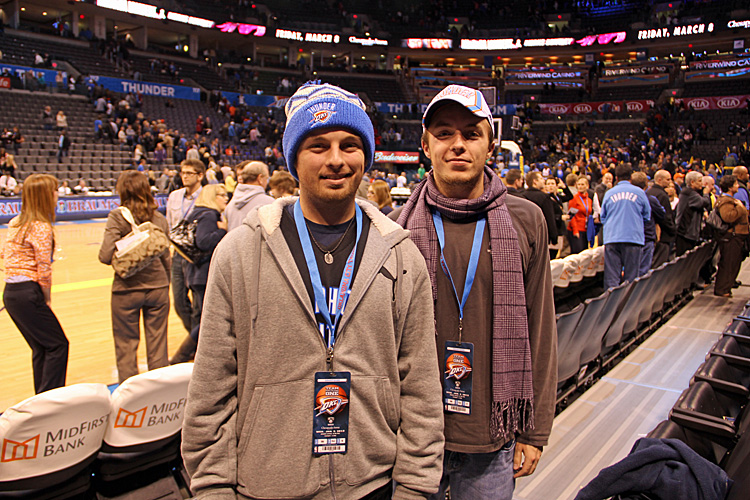 boys at thunder game