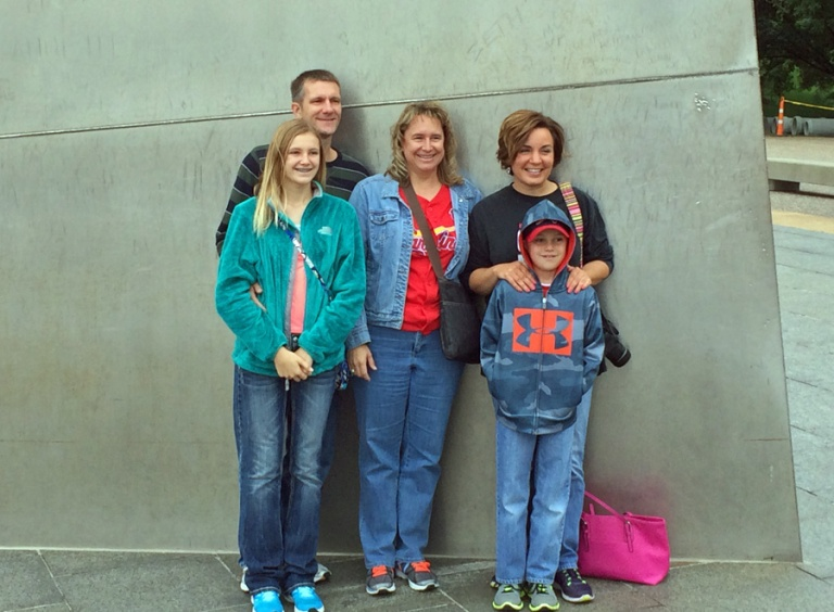 family at the arch