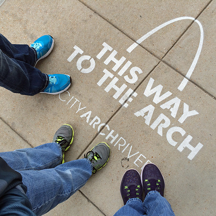 this way to arch